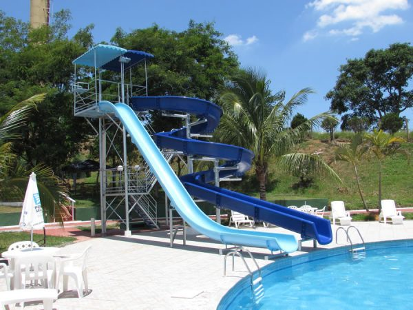 Toboáguas F10 são tendência em condomínio, clube, hotel, parques